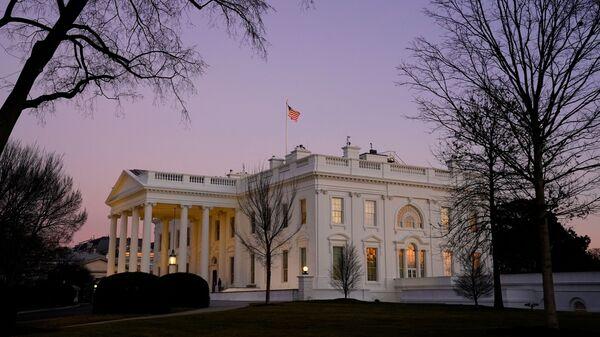Nhà Trắng lúc hoàng hôn ở Washington - Sputnik Việt Nam
