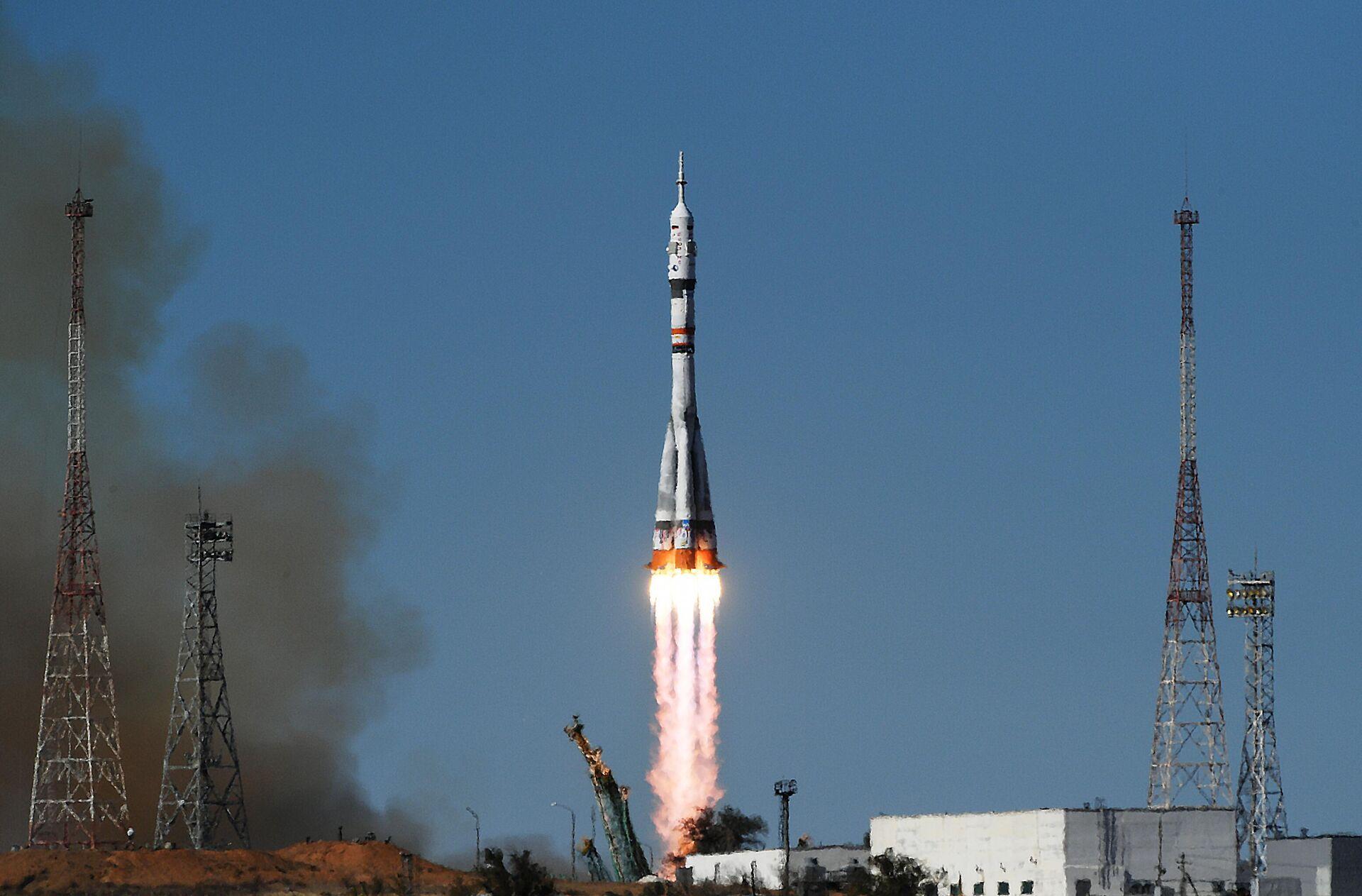 Nga là nước đầu tiên trên thế giới cử đoàn làm phim lên Trạm vũ trụ Quốc tế - Sputnik Việt Nam, 1920, 05.10.2021