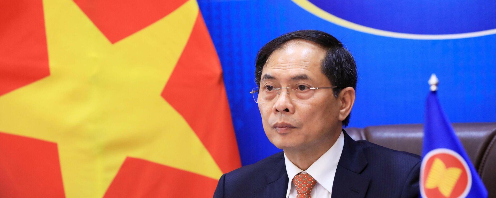 Bộ trưởng Ngoại giao Bùi Thanh Sơn dự Hội nghị Bộ trưởng Ngoại giao ASEAN. - Sputnik Việt Nam, 1920, 05.10.2021