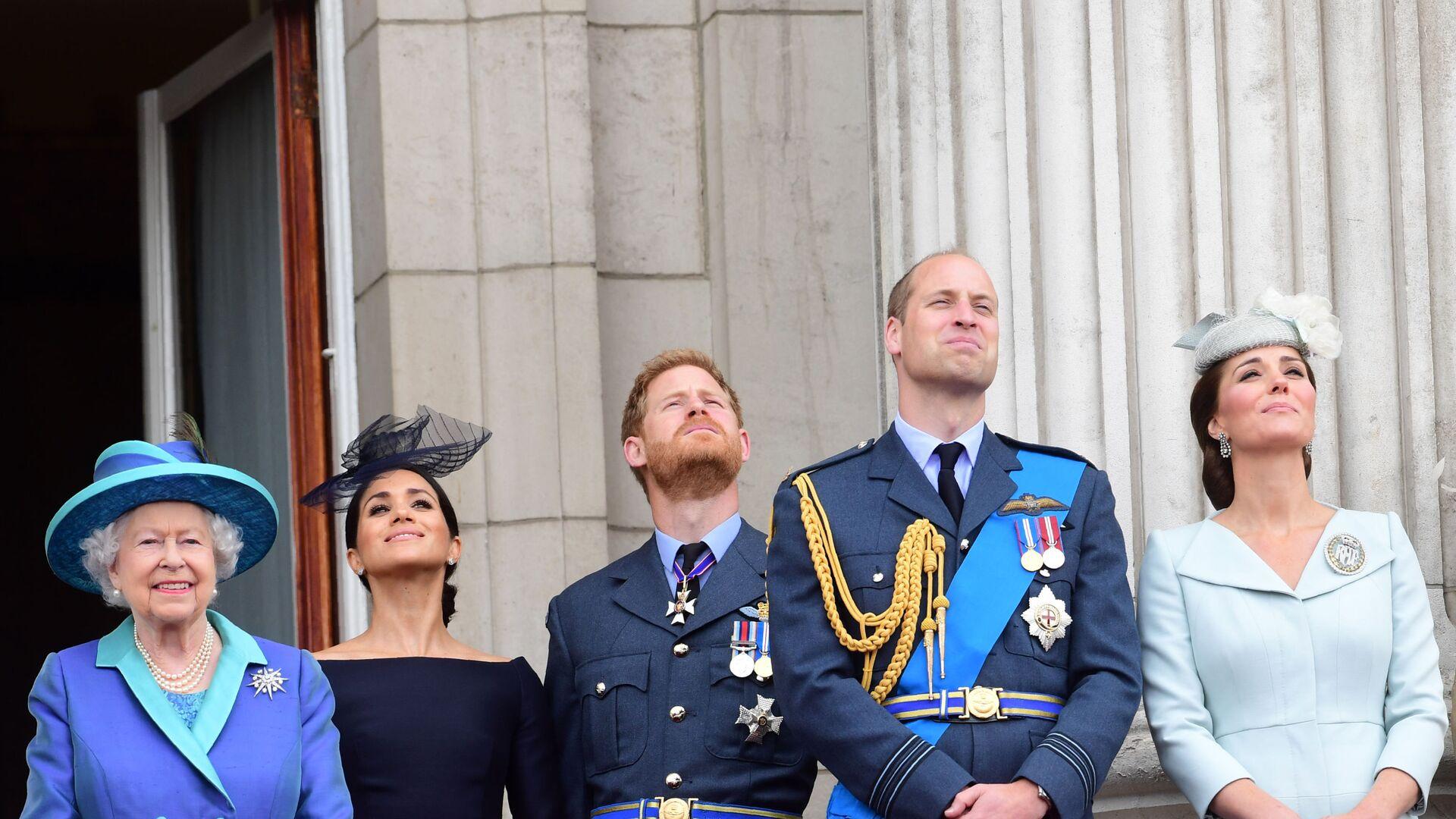 Các thành viên của gia đình hoàng gia Anh tham gia lễ kỷ niệm một trăm năm Lực lượng Không quân Hoàng gia ở London - Sputnik Việt Nam, 1920, 08.10.2021