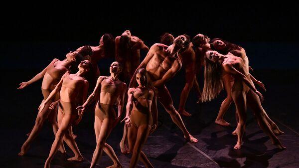 Nhóm vũ công vở ba lê Madina ttrên sân khấu nhà hát La Scala ở Milan, Ý - Sputnik Việt Nam