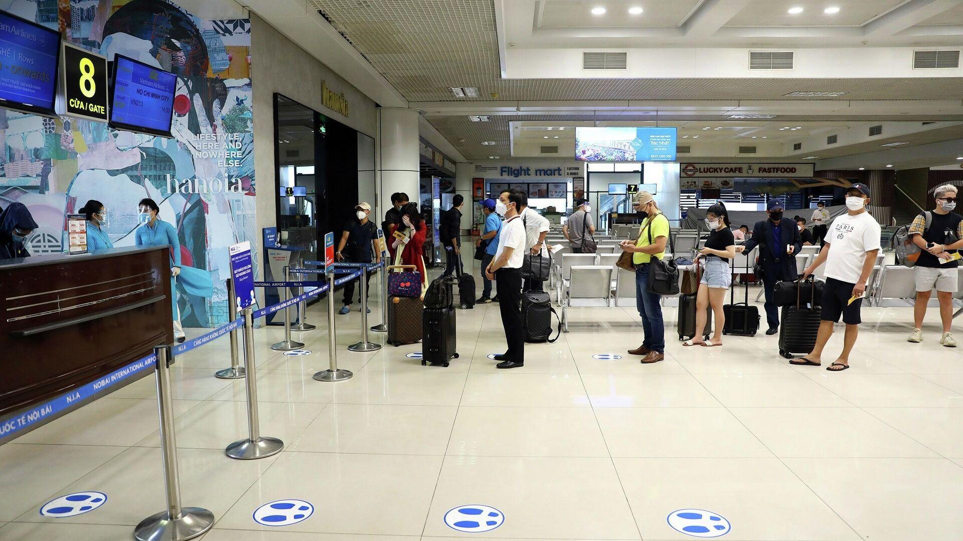 Chính thức mở lại chuyến bay thương mại Hà Nội - Tp Hồ Chí Minh tần suất 1 chuyến khứ hồi/ngày - Sputnik Việt Nam, 1920, 12.10.2021