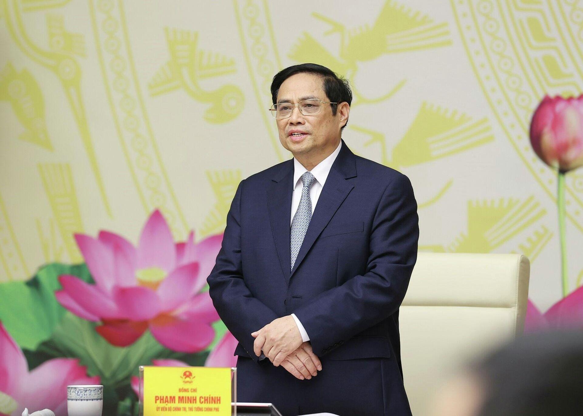 Thủ tướng Phạm Minh Chính phát biểu tại buổi gặp đại diện các doanh nghiệp, doanh nhân tiêu biểu  - Sputnik Việt Nam, 1920, 12.10.2021
