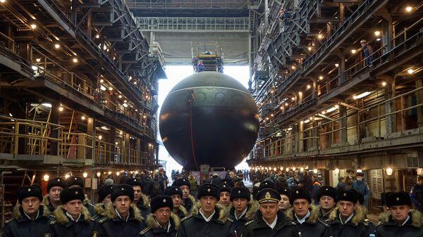 Спуск на воду подлодки Магадан для ВМФ России - Sputnik Việt Nam