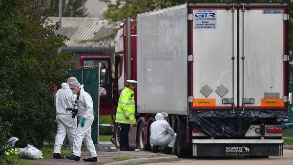 39 người Việt tử vong trong thùng xe đông lạnh trên đường từ Bỉ đến Purfleet, Essex - Sputnik Việt Nam