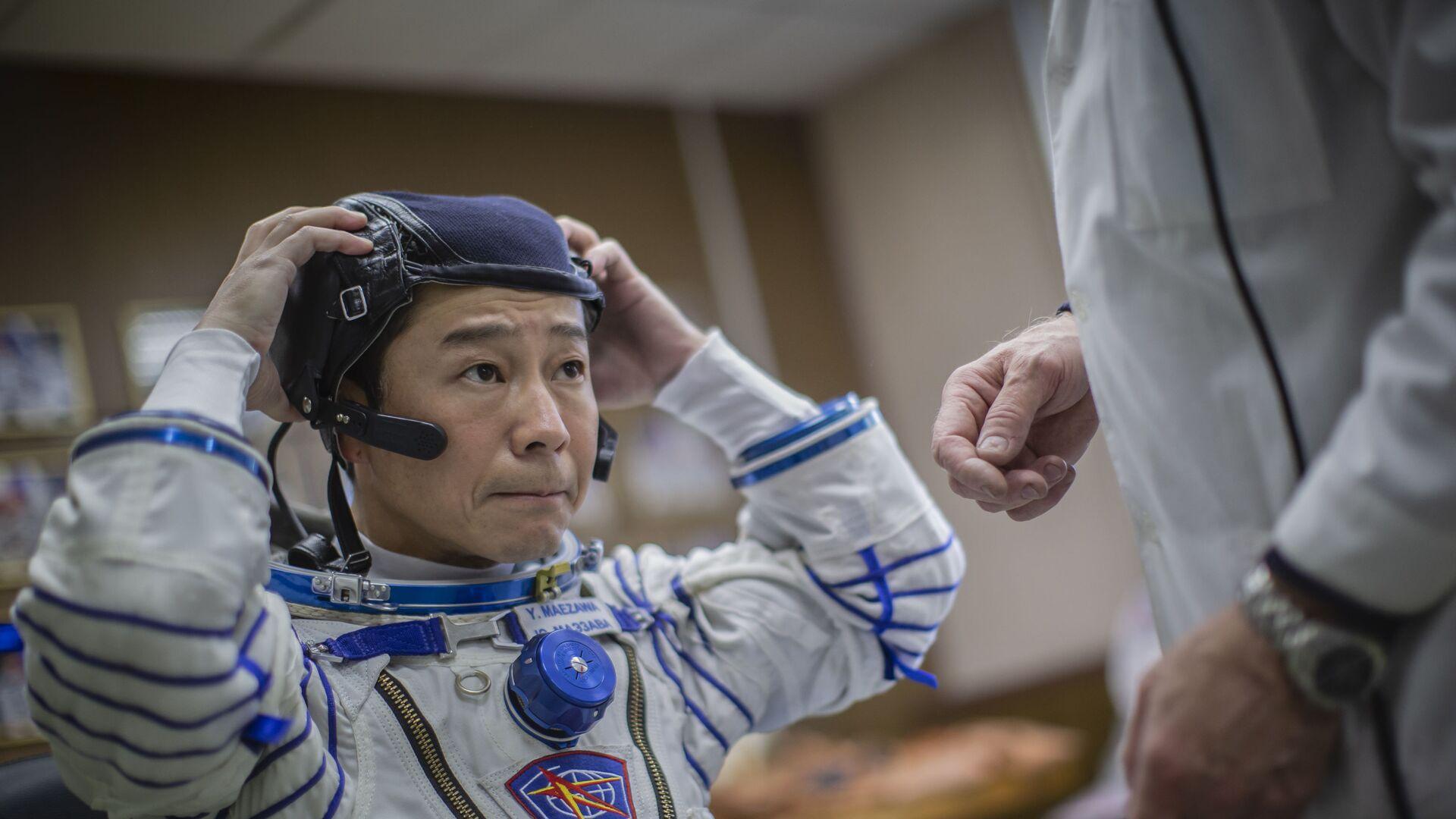 Du khách Yusaku Maezawa sẽ tham gia chuyến bay vào không gian sắp tới mặc thử bộ đồ vũ trụ Sokol - Sputnik Việt Nam, 1920, 15.10.2021