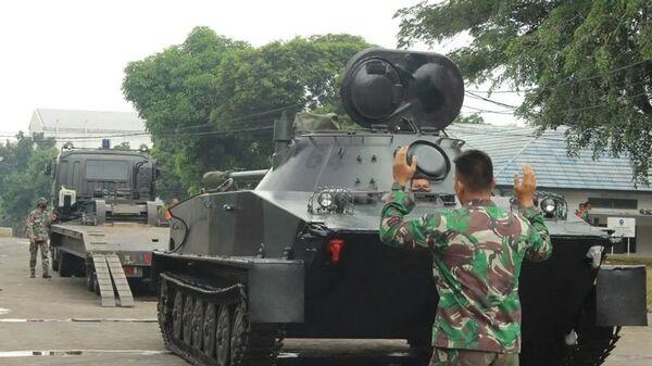 Танк ПТ-76 на учениях индонезийской армии - Sputnik Việt Nam