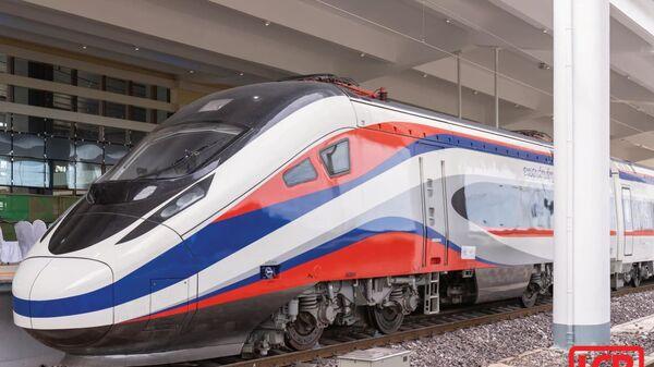 Сверхскоростной пассажирский поезд Lane Xang EMU - Sputnik Việt Nam