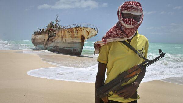 Вооруженный сомалийский пират - Sputnik Việt Nam