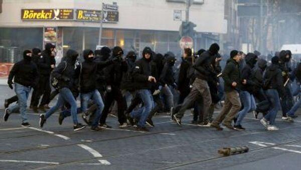 Các thành viên biểu tình phản đối chính sách của Ngân hàng Trung ương châu Âu - Sputnik Việt Nam