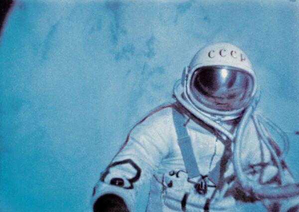 Alexei Leonov trong không gian vũ trụ - Sputnik Việt Nam