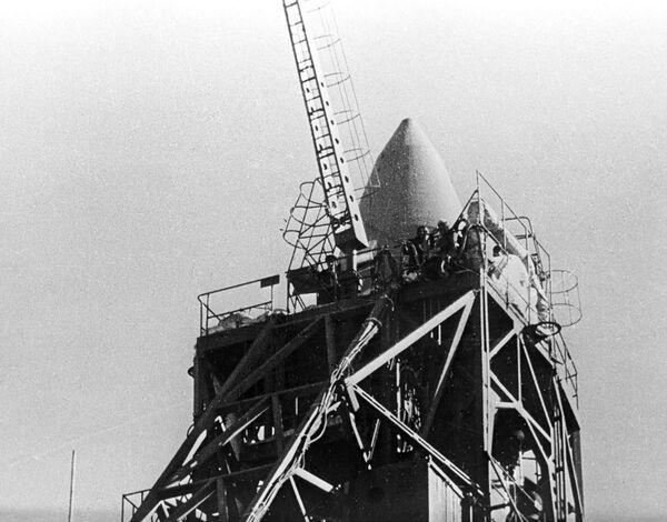 Tàu vũ trụ có người lái của Liên Xô Voskhod-2 lúc khởi động - Sputnik Việt Nam
