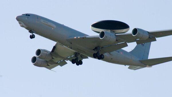 Máy bay Mỹ Boeing E-3 Sentry - Sputnik Việt Nam