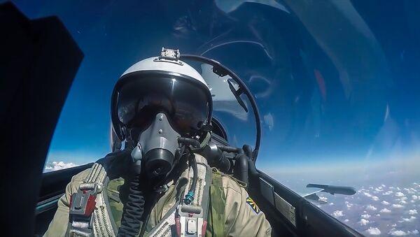 Phi công Không lực Nga trong chuyến bay chiến đấu ở Syria - Sputnik Việt Nam