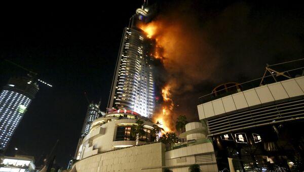 Năm Mới ở Dubai: Pháo hoa trên nền đám cháy nhà chọc trời - Sputnik Việt Nam