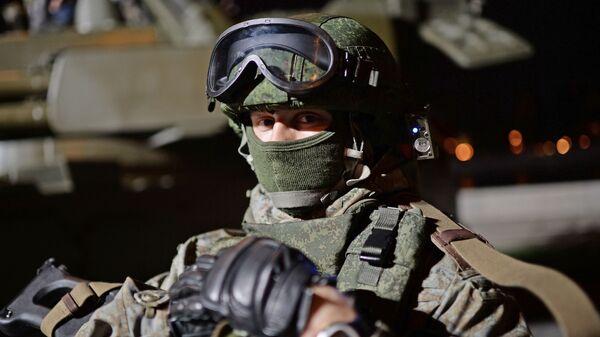 bộ quân trang người lính tương lai Ratnik - Sputnik Việt Nam