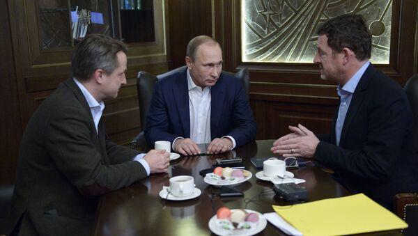 Tổng thống Vladimir Putin và lãnh đạo báo Đức Bild - Sputnik Việt Nam