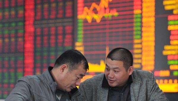 Thị trường Trung Quốc xuống dưới ngưỡng thấp nhất của năm ngoái - Sputnik Việt Nam