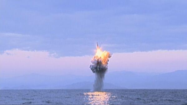 Bắc Triều Tiên phóng tên lửa đạn đạo trên biển - Sputnik Việt Nam