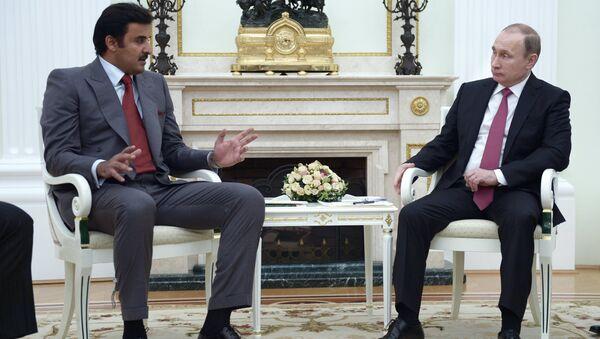 Tổng thống Nga Vladimir Putin và tiểu vương Qatar Tamim Bin Hamad Al Thani - Sputnik Việt Nam