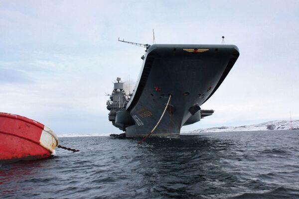 Tàu tuần dương sân bay hạng nặng Đô đốc Hải quân Liên xô Kuznetsov. - Sputnik Việt Nam