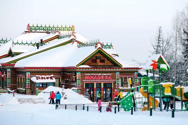 Tổ hợp trượt tuyết núi Milovka, thị trấn Plios. - Sputnik Việt Nam