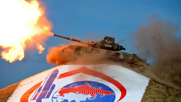 Xe tăng T-90S tại Triển lãm  Quốc tế về thiết bị công nghệ cao và vũ khí lần thứ IX VTTV Omsk 2011 - Sputnik Việt Nam