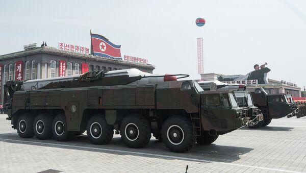 Tên lửa Bắc Triều Tiên  tại cuộc diễu hành - Sputnik Việt Nam
