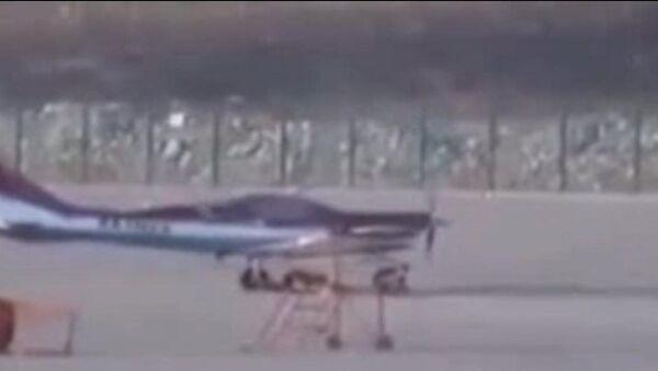 Máy bay hạng nhẹ cất cánh mà không có một phi công - Sputnik Việt Nam