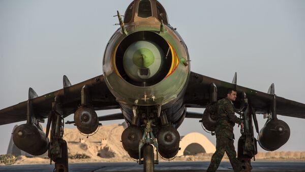 Máy bay Su-22 của Syria tại căn cứ không quân của quân đội Syria ở tỉnh Homs - Sputnik Việt Nam
