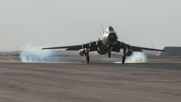 Máy bay của không quân Syria tại căn cứ của quân đội Syria ở tỉnh Homs - Sputnik Việt Nam
