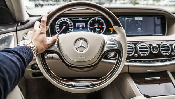 Mercedes Benz - Sputnik Việt Nam