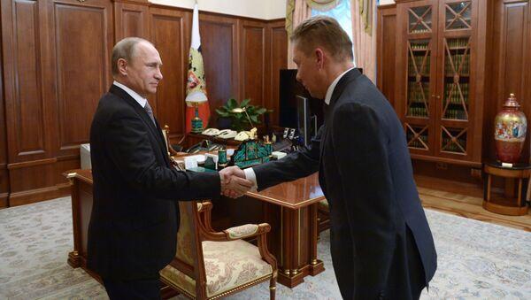 """Tổng thống Nga Vladimir Putin  và người đứng đầu Tập đoàn """"Gazprom"""" ông Alexei Miller - Sputnik Việt Nam"""