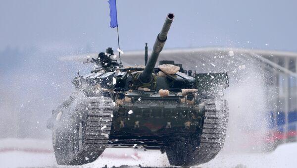 Xe tăng T-72 trong cuộc thi Tank biathlon 2016 - Sputnik Việt Nam