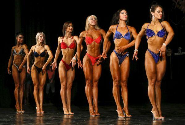 Những người tham gia Giải vô địch Bodybuilding, Fitness, Bikini Fitness và Body Fitness thành phố Krasnoyarsk - Sputnik Việt Nam