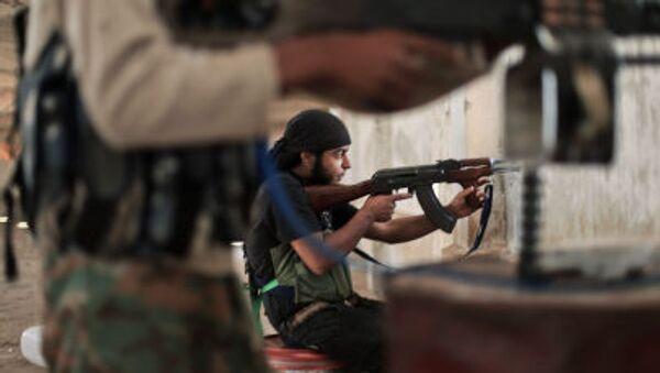 Chiến binh Hồi giáo Mặt trận Syria đụng độ với các tay súng IS ở ngoại ô Aleppo - Sputnik Việt Nam