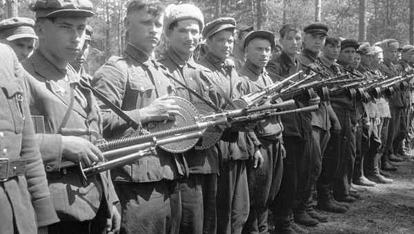 Trung đội súng máy - Sputnik Việt Nam