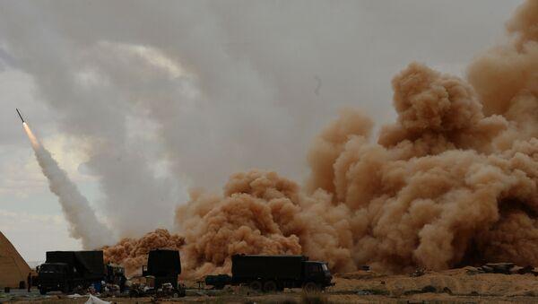 Hệ thống tên lửa bắn loạt Uragan của lực lượng vũ trang Syria ở Palmyra - Sputnik Việt Nam