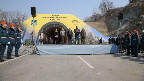 Chánh văn phòng tổng thống Nga Sergei Ivanov tại lễ khai mạc đường hầm Narvinskky tại khu cực Primorsky Krai - Sputnik Việt Nam