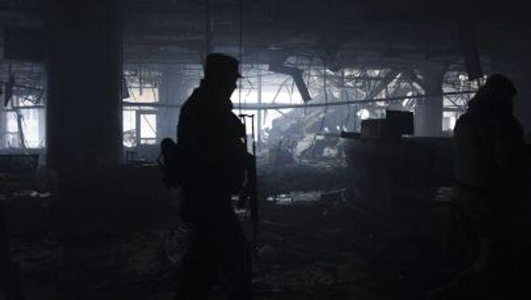 Dân quân tại sân bay Donetsk bị tàn phá - Sputnik Việt Nam