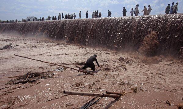 Lũ lụt sau những trận mưa lớn ở Peshawar, Pakistan - Sputnik Việt Nam