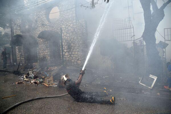 Dập đám cháy ở Port-au-Prince, Haiti - Sputnik Việt Nam