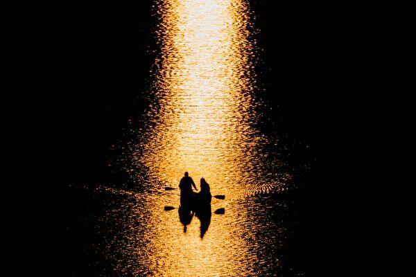 Xuồng trên sông Potomac, Mỹ. - Sputnik Việt Nam