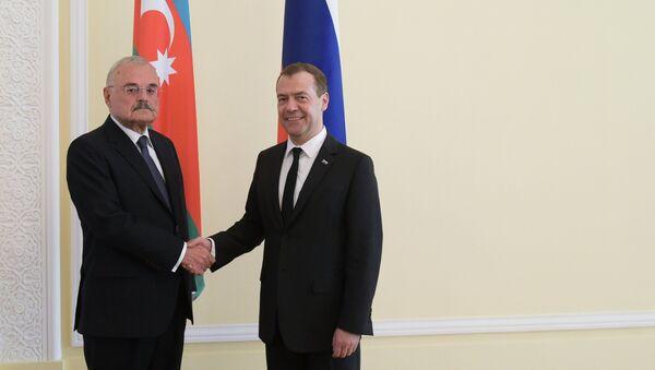 Dmitry Medvedev và Artur Tahir oglu Rasizade - Sputnik Việt Nam