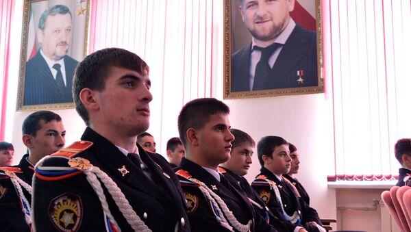 Sinh viên trường quân sự Chechnya xem Đối thoại trực tuyến năm 2016 - Sputnik Việt Nam