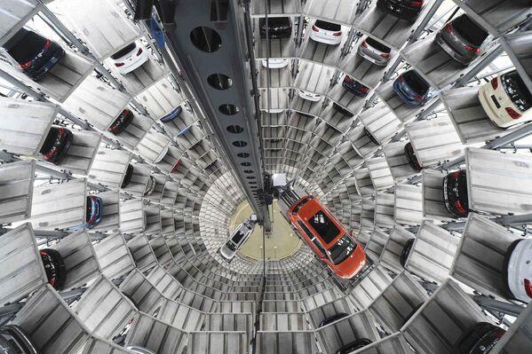 Bãi đậu xe nhiều tầng ở Đức - Sputnik Việt Nam