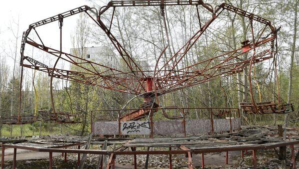 Công viên giải trí trong khu vực bị bỏ hoang sau vụ tai nạn nhà máy điện hạt nhân Chernobyl. - Sputnik Việt Nam