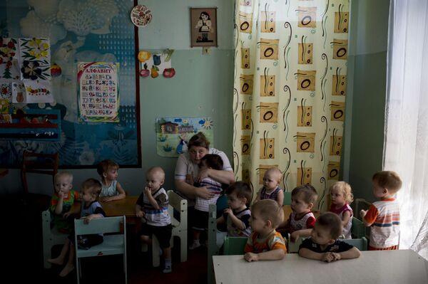 Sơ tán một trại trẻ mồ côi ở Lugansk - Sputnik Việt Nam