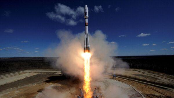 Sân bay vũ trụ Vostochnyi trong cuộc phóng tên lửa Soyuz-2.1a với ba vệ tinh Nga Lomonosov, AIST-2D và SamSat-218 - Sputnik Việt Nam