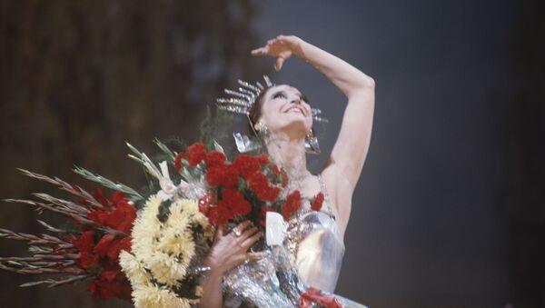 Trong lao động sáng tạo nghệ thuật, Maya Plisetskaya đã hợp tác với những nhà biên đạo múa nổi tiếng của thế giới, cụ thể như với Roland Petit và Maurice Béjart. - Sputnik Việt Nam